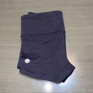 Lululemon Solid Black Sretch Shorts Size 2